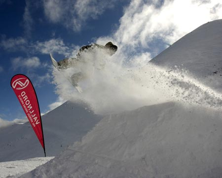 Vallnord Park Party snowboard