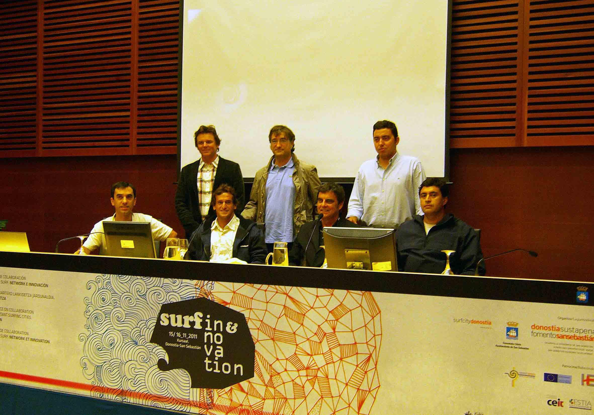 http://www.boardbox.tv/ftp/notifotos/surfinginnovation.jpg